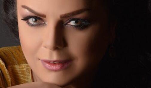 نادين عامر
