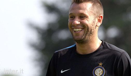 (2) الاحد الكبير ...ديربي ميلانو  Cassano-inter-training-season