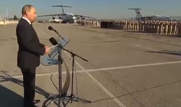بوتين: القوات البحرية الروسية ستقوم بدوريات قبالة سوريا
