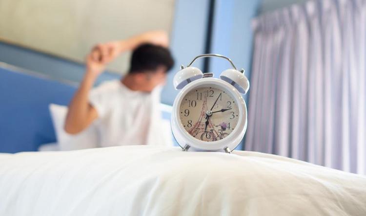 هل الشخير يسبب التعب بعد النوم؟