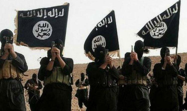 """بالفيديو: """"داعش"""" تسلم نفسها لقوات سوريا الديمقراطية"""