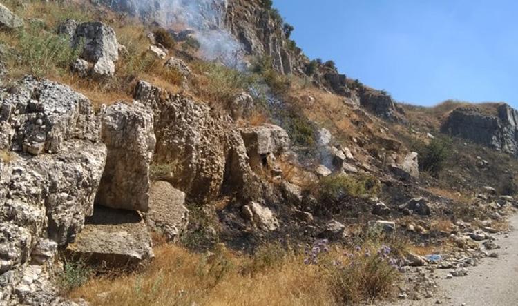 بالصور: حريق في بعبدا