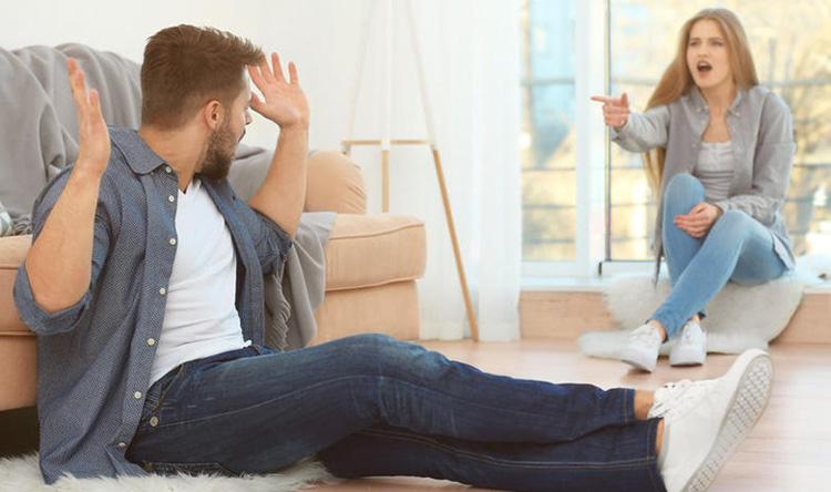 هل يؤدي شجار الأزواج الموت المبكر؟