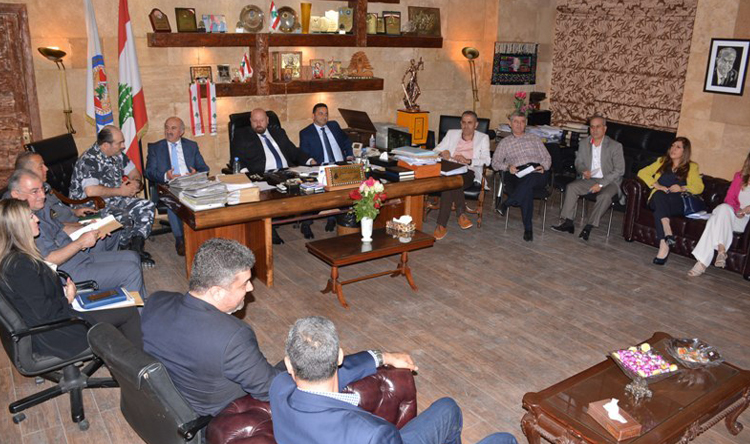 نهرا ترأس اجتماعًا في سراي طرابلس:المحافظة على مسافة واحدة لتطبيق القوانين