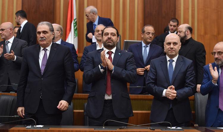 الرئيس سعد الحريري والوزيران حاصباني وجريصاتي في جلسة انتخاب هيئة مكتب المجلس