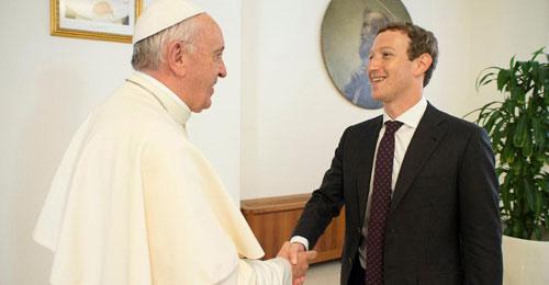 """حين تلتقي التكنولوجيا بالإنسانية… البابا فرنسيس يستضيف زوكربرغ لـ""""فايسبوك ضد الفقر"""""""