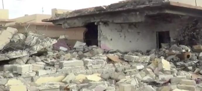 """بالفيديو – مأساة كاميليا: هربت من """"داعش""""… و""""التحالف"""" سوّى منزلها أرضاً"""