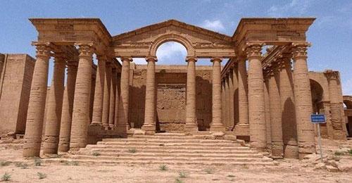 """""""داعش"""" يدمر مدينة نمرود الآشورية الأثرية بالجرافات"""
