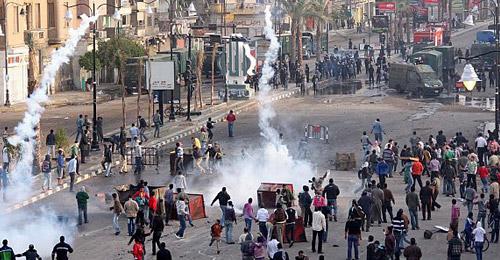 بالفيديو: ذكرى الثورة في مصر.. قتلى وإقفال ميدان التحرير