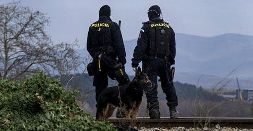 إصابة 18 شخصا في سلسلة انفجارات بمصنع في التشيك