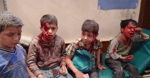 """طبيب سوري لـ""""التليغراف"""": ننهار أحياناً بسبب إصابات الهاربين من حلب"""