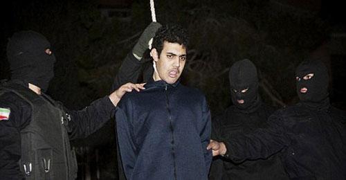 """مراهقون وأطفال إيرانيون على """"حبل المشنقة"""" وسط تجاهل غربي رسمي"""