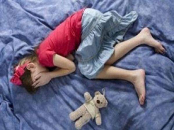 طفل يغتصب طفلة.. وشقيقته تساعده!