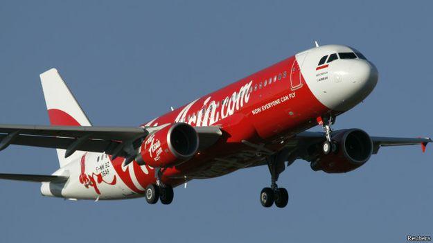 ترجيح فرضية قيام الطائرة الماليزية بهبوط اضطراري على سطح المياه قبل غرقها