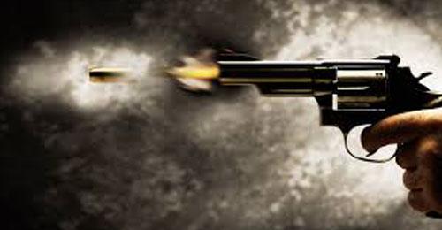 """في بعلبك… 200 رصاصة تخرق مبنى و""""طائشة"""" تصيب سبعينيّة في رأسها!"""