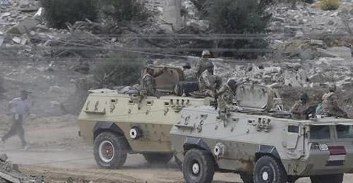 القوات المصرية تقتل 10 مسلحين بالعريش في سيناء