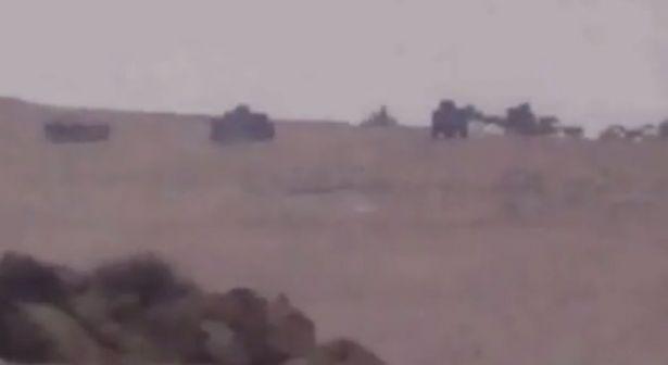 """بالفيديو: """"ألوية الحبيب المصطفى"""" تستهدف رتلا لـ""""حزب الله"""" في القلمون"""