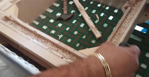 بالصور: 950 الف حبة كتباغون في مفروشات بجبيل!