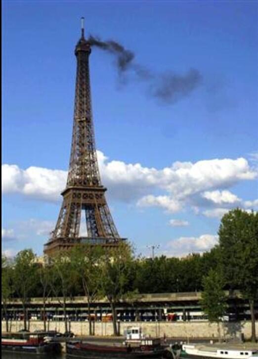 برج إيفل: برج ايفل بديسمبر Evil in decmber