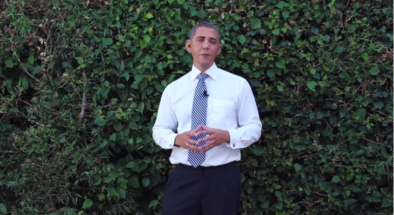 بالفيديو: أوباما يسكب المياه المثلجة على نفسه ويتحدى الأسد ؟!