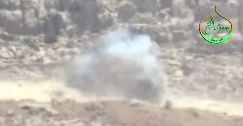 """بالفيديو: إستهداف آلية لـ""""حزب الله"""" من قبل """"جيش الفتح"""""""