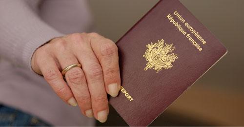 هل اقترب موعد تخلّي اللبنانيِّين عن جنسيَّتهم الفرنسية؟