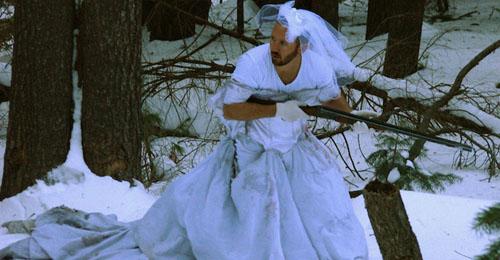 بالصور: 101 طريقة لاستخدام فستان الزواج!