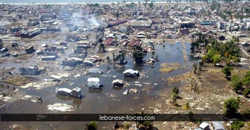 """""""صورة وكلمة"""": زلزال سومطرة في إندونيسيا"""