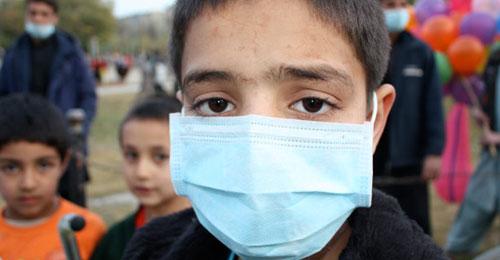 بالفيديو: ظهور عوارض انفلونزا الخنازير يطرح العديد من التساؤلات