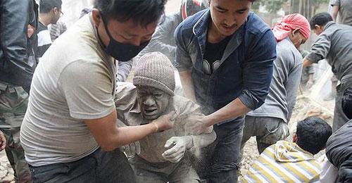 بالفيديو والصور: النيبال تحت الأنقاض