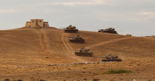 """أنقرة تلوح بتدخل بري بسوريا """"في أي لحظة"""""""