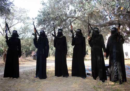 الغارديان: الزواج يدفع المئات من الفتيات الغربيات للإلتحاق بالجهاديين
