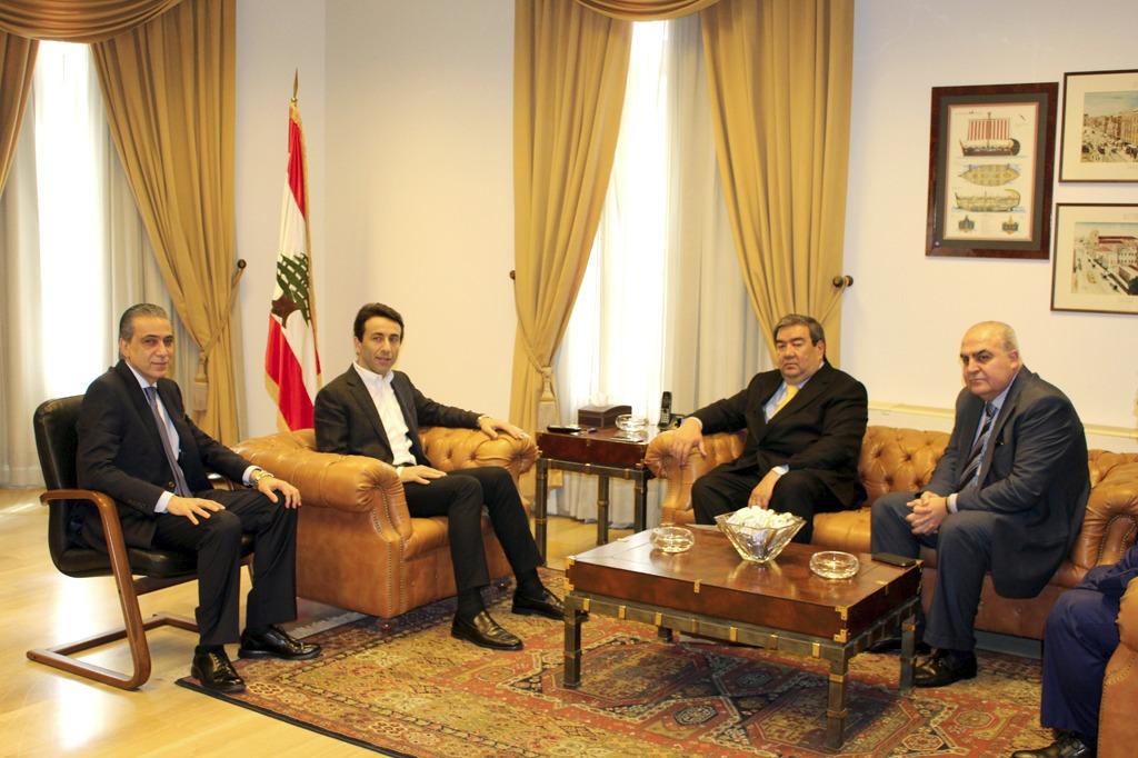 شبيب يلتقي رئيس البعثة الدبلوماسية لجمهورية كازخستان
