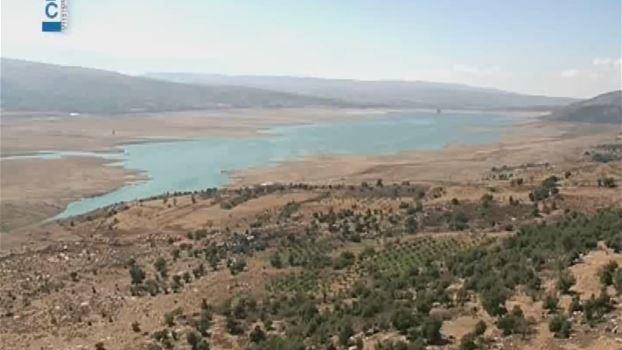 بحيرة القرعون عطشى: أدنى مستوى للمياه فيها منذ نصف قرن!