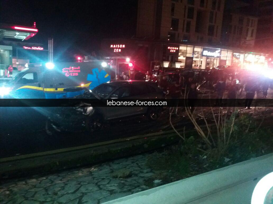 بالصور: 3 جرحى في حادث مروع على اوتوستراد غزير