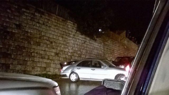 بالصور: حادث سير بين 3 سيارات عى طريق عجلتون