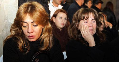 """عودة جثامين ضحايا الطائرة الجزائرية: """"يا رَيتني مِتِت قَبلُن"""""""