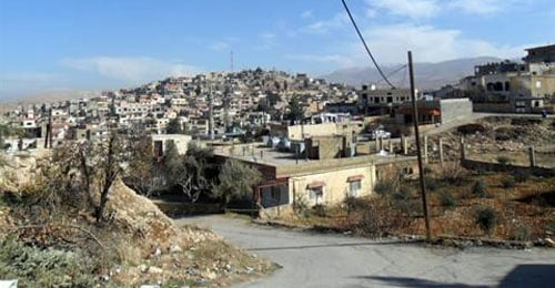 احتجاز سائقين وسرقة شاحنتيهما التابعتين لكهرباء لبنان في بريتال