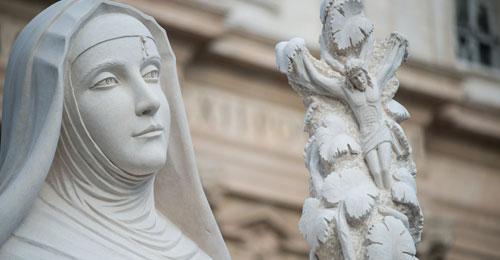 بالفيديو: تمثال القديسة ريتا توقيع لبناني في ايطاليا
