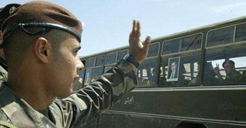 """بالصور – بذكرى انسحاب الجيش السوري: """"دحرنا المحتل"""""""