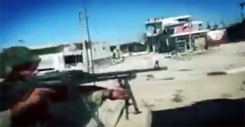 """بالفيديو: مشاهد حية لمشاركة """"حزب الله"""" في معارك حي الخالدية"""
