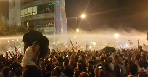 بالصور: حراك وعراك وتكسير… وسط بيروت ساحة حرب