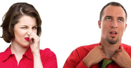 رائحة جسدك كريهة؟… ماذا اكلت وشربت؟!