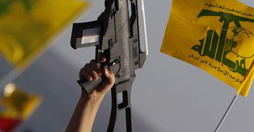 """والدة تفضح """"حزب الله"""" وتتوعّده… وابنها: اذا تعرّضوا لأمي سأفجر نفسي بهم"""