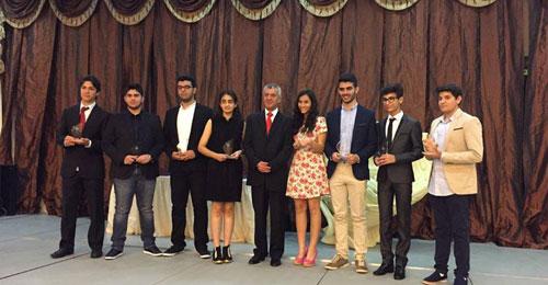 فوز المدرسة اللبنانية في الدوحة بالمرتبة الاولى في مسابقة الرجل الالي