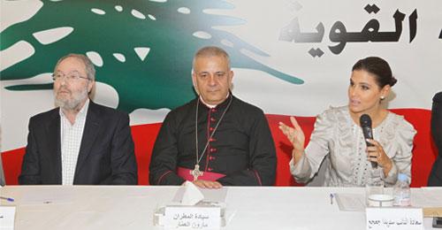 """للعام السابع على التوالي مساعدات مدرسية لطلاب بشري من نائبي """"القوات"""" جعجع  وكيروز"""