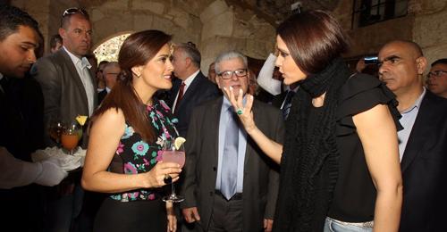 """ماذا قالت النائب ستريدا جعجع لسلمى حايك بأول تغريدة لها عبر """"تويتر""""؟"""