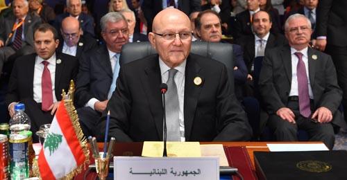 """التوفيق المستحيل بين التضامن العربي ومراعاة """"حزب الله"""""""