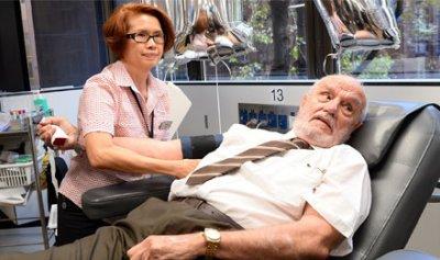 لماذا ساعد دم هذا الرجل في إنقاذ ملايين الأطفال؟