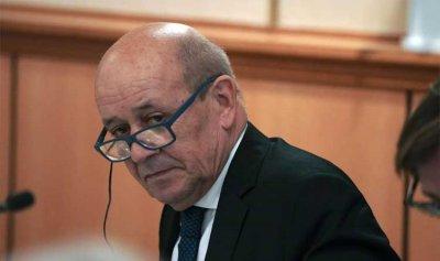 لودريان في بيروت لتسهيل المفاوضات مع صندوق النقد